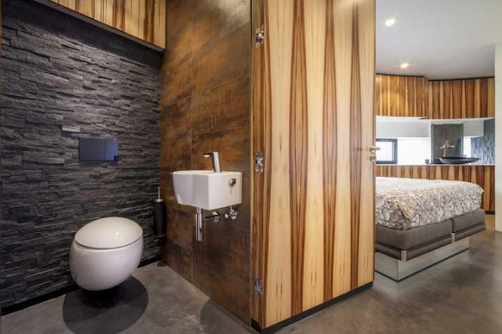 123dv_360_villa12_bedroom_bathroom.jpg