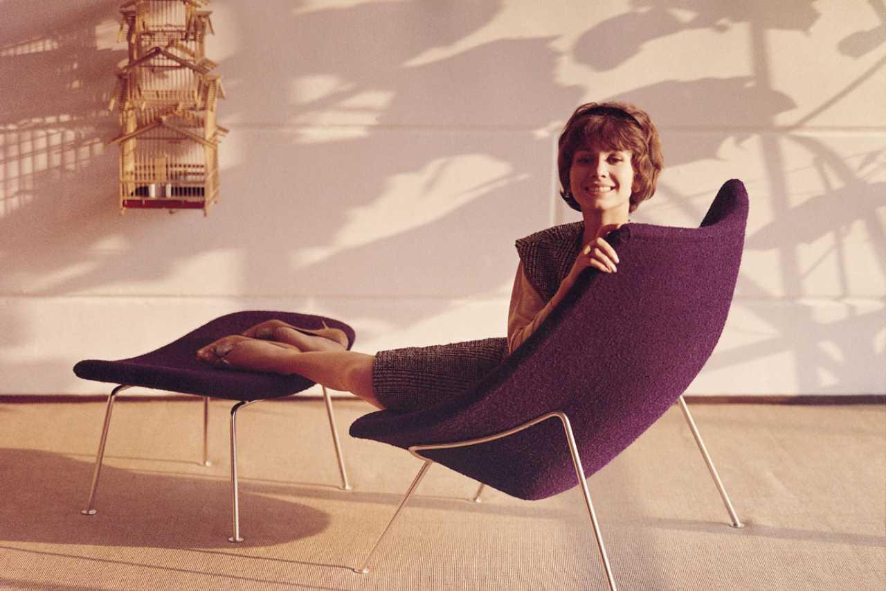 Pierre Paulin Oyster Chair by Artifort